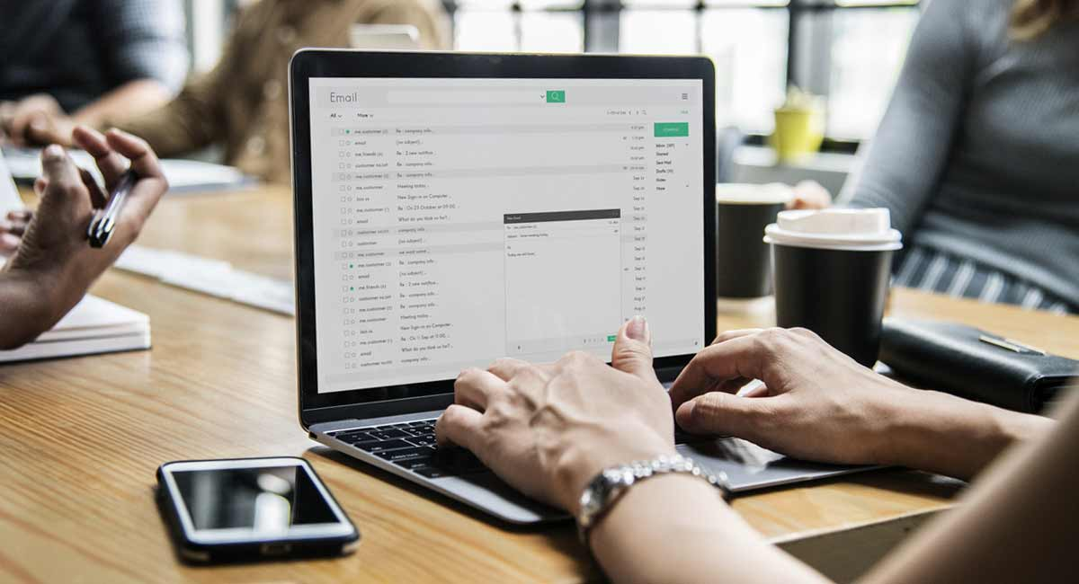 enviar-curriculo-por-emailo-que-escreve